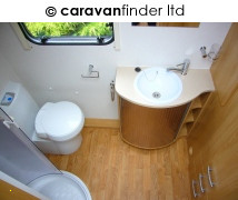 Lunar Quasar 462 2010 Caravan Photo