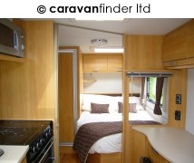 Lunar Quasar 534 2010 Caravan Photo