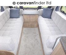 Lunar Quasar 674 2017 Caravan Photo