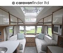 Lunar Clubman ES 2018 Caravan Photo